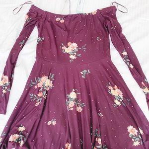 Off the shoulders, knee length floral summer dress